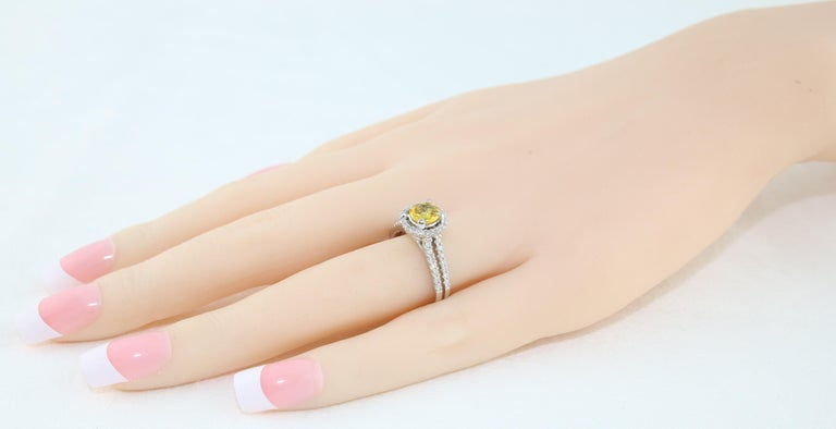 AGL Certified 0.84 Carat Round Yellow Sapphire Diamond Gold Ring For Sale 2
