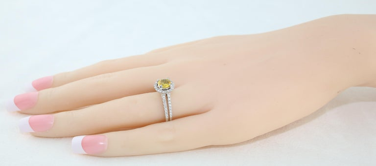 AGL Certified 0.84 Carat Round Yellow Sapphire Diamond Gold Ring For Sale 3