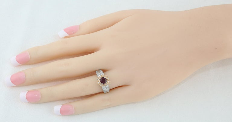 AGL Certified 0.86 Carat Round Ruby Diamond Gold Milgrain Ring In New Condition For Sale In New York, NY