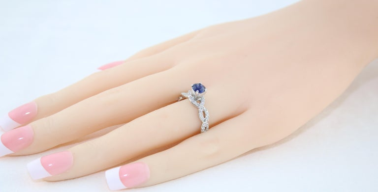 Women's AGL Certified 0.88 Carat Round Sapphire Diamond Gold Ring For Sale
