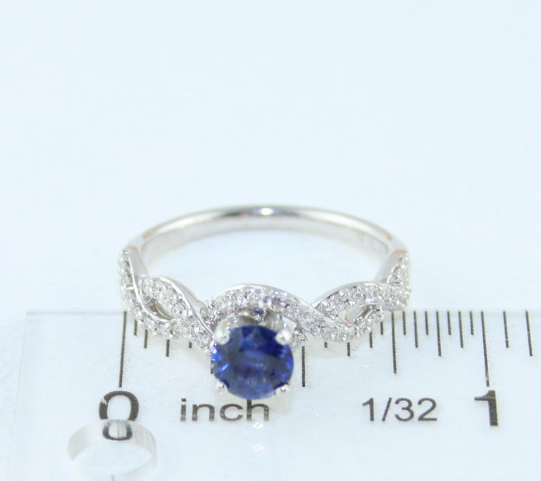AGL Certified 0.88 Carat Round Sapphire Diamond Gold Ring For Sale 2