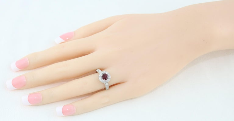 AGL Certified 0.89 Carat Round Ruby Diamond Gold Pave Ring For Sale 2