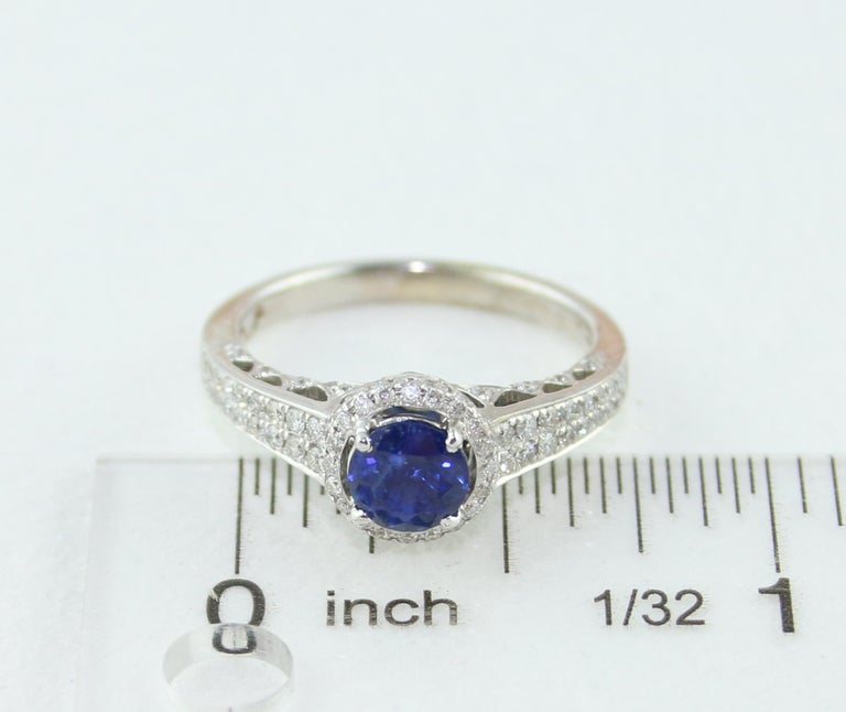 AGL Certified 0.91 Carat Round Sapphire Diamond Gold Ring For Sale 3