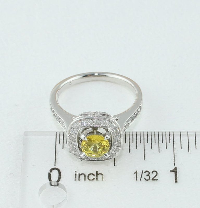 AGL Certified 0.92 Carat Round Yellow Sapphire Diamond Gold Ring For Sale 4
