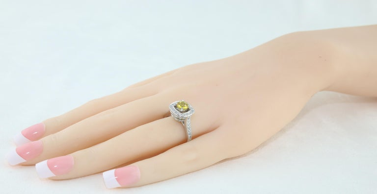 AGL Certified 0.92 Carat Round Yellow Sapphire Diamond Gold Ring For Sale 2
