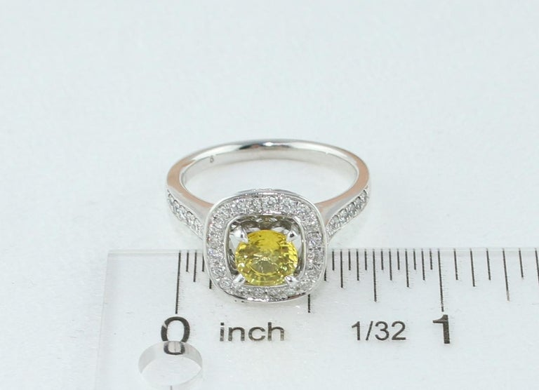 AGL Certified 0.92 Carat Round Yellow Sapphire Diamond Gold Ring For Sale 3