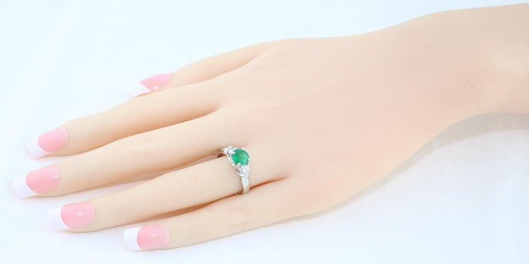 Round Cut AGL Certified 0.96 Carat Emerald Three-Stone Diamond Gold Ring For Sale