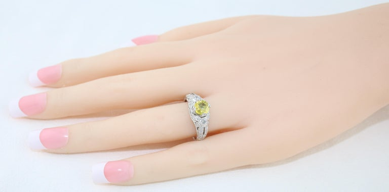 AGL Certified 0.97 Carat Yellow Sapphire Diamond Gold Milgrain Filigree Ring In New Condition For Sale In New York, NY