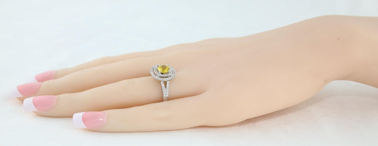 AGL Certified 0.98 Carat Round Yellow Sapphire and Diamond Gold Ring For Sale 3
