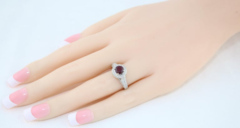 AGL Certified 0.99 Carat Round Ruby Diamond Gold Milgrain Ring In New Condition For Sale In New York, NY