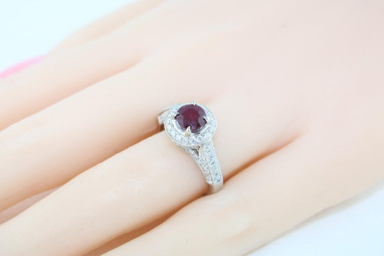 AGL Certified 0.99 Carat Round Ruby Diamond Gold Milgrain Ring For Sale 2