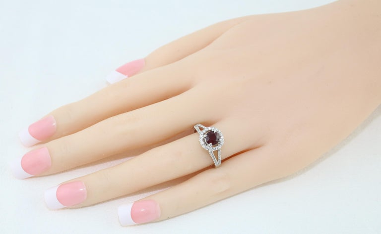 AGL Certified 1.00 Carat Round Ruby Diamond Gold Ring In New Condition For Sale In New York, NY