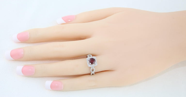 AGL Certified 1.04 Carat Round Ruby Diamond Gold Ring For Sale 1