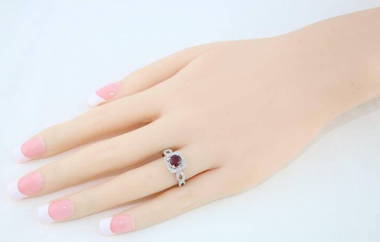 AGL Certified 1.04 Carat Round Ruby Diamond Gold Ring For Sale 2