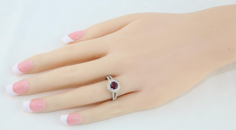 AGL Certified 1.05 Carat Round Ruby Diamond Gold Ring In New Condition For Sale In New York, NY