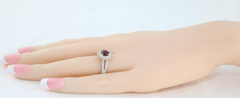 AGL Certified 1.05 Carat Round Ruby Diamond Gold Ring For Sale 1
