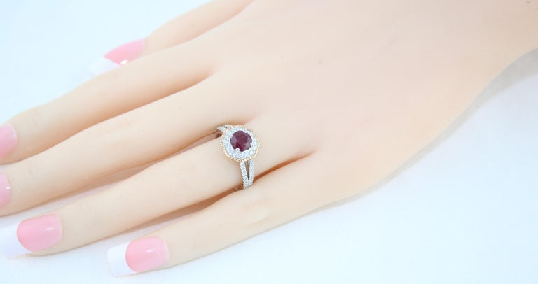 AGL Certified 1.05 Carat Round Ruby Diamond Gold Ring For Sale 2