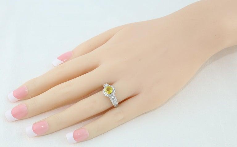 Contemporary AGL Certified 1.05 Carat Yellow Sapphire Diamond Gold Milgrain Filigree Ring For Sale