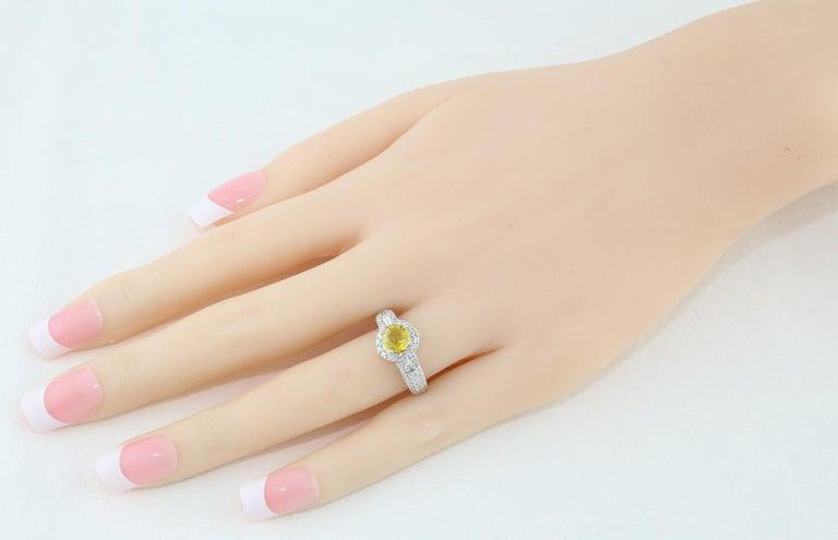 Round Cut AGL Certified 1.05 Carat Yellow Sapphire Diamond Gold Milgrain Filigree Ring For Sale