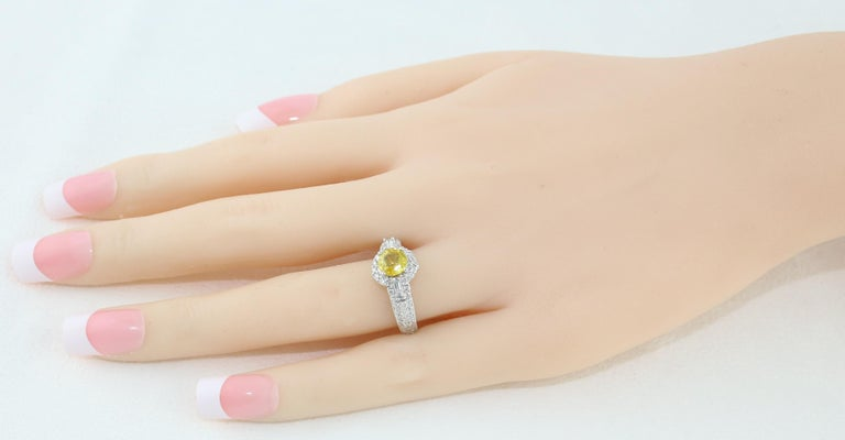 AGL Certified 1.05 Carat Yellow Sapphire Diamond Gold Milgrain Filigree Ring In New Condition For Sale In New York, NY