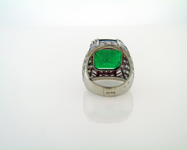 AGL Certified 11.38 Carat Colombian Emerald Cocktail Ring In New Condition For Sale In New York, NY