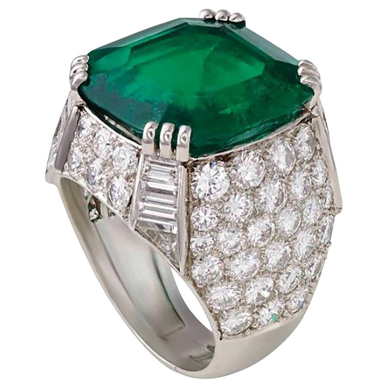 AGL Certified 11.38 Carat Colombian Emerald Cocktail Ring For Sale