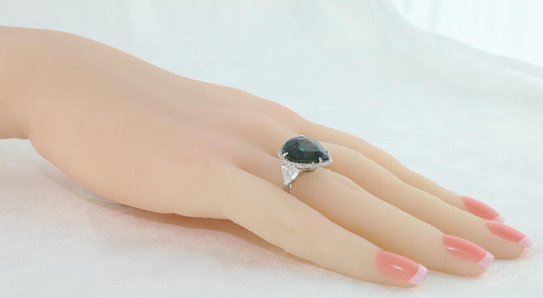 Women's AGL Certified 11.61 Carat No Heat Bluish Green Sapphire Diamond Ring For Sale