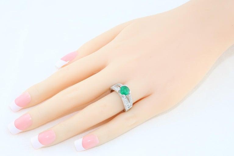 Contemporary AGL Certified 1.30 Carat Emerald Diamond Gold Milgrain Filigree Ring For Sale