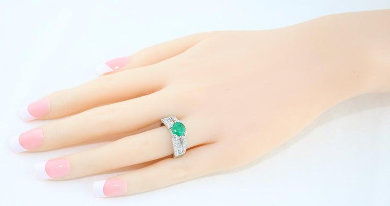 Round Cut AGL Certified 1.30 Carat Emerald Diamond Gold Milgrain Filigree Ring For Sale