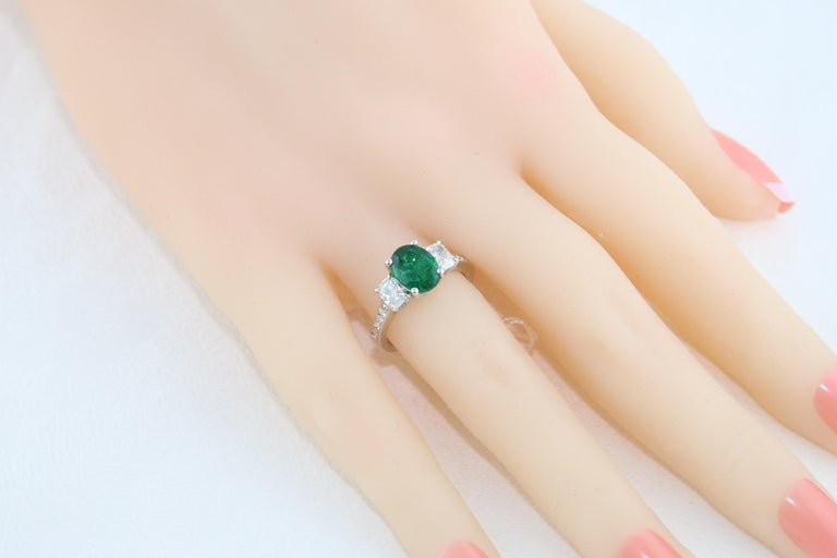 AGL Certified 1.55 Carat Oval Emerald Three-Stone Diamond Gold Ring For Sale 2