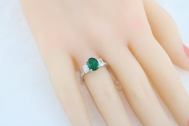 AGL Certified 1.55 Carat Oval Emerald Three-Stone Diamond Gold Ring For Sale 3