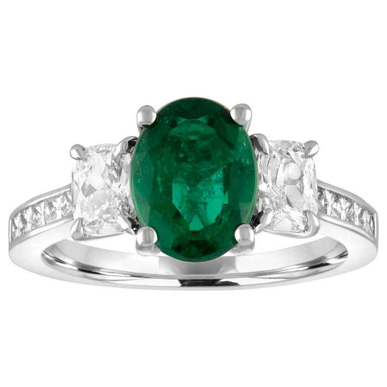 AGL Certified 1.55 Carat Oval Emerald Three-Stone Diamond Gold Ring For Sale