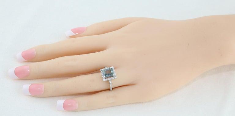 Cushion Cut AGL Certified 2.52 Carat Cushion Grayish Green-Blue Sapphire Diamond Gold Ring For Sale