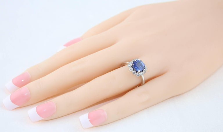 Contemporary AGL Certified 2.59 Carat No Heat Violet Blue Sapphire Diamond Gold Ring For Sale