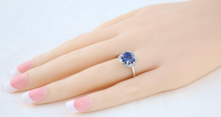 Cushion Cut AGL Certified 2.59 Carat No Heat Violet Blue Sapphire Diamond Gold Ring For Sale