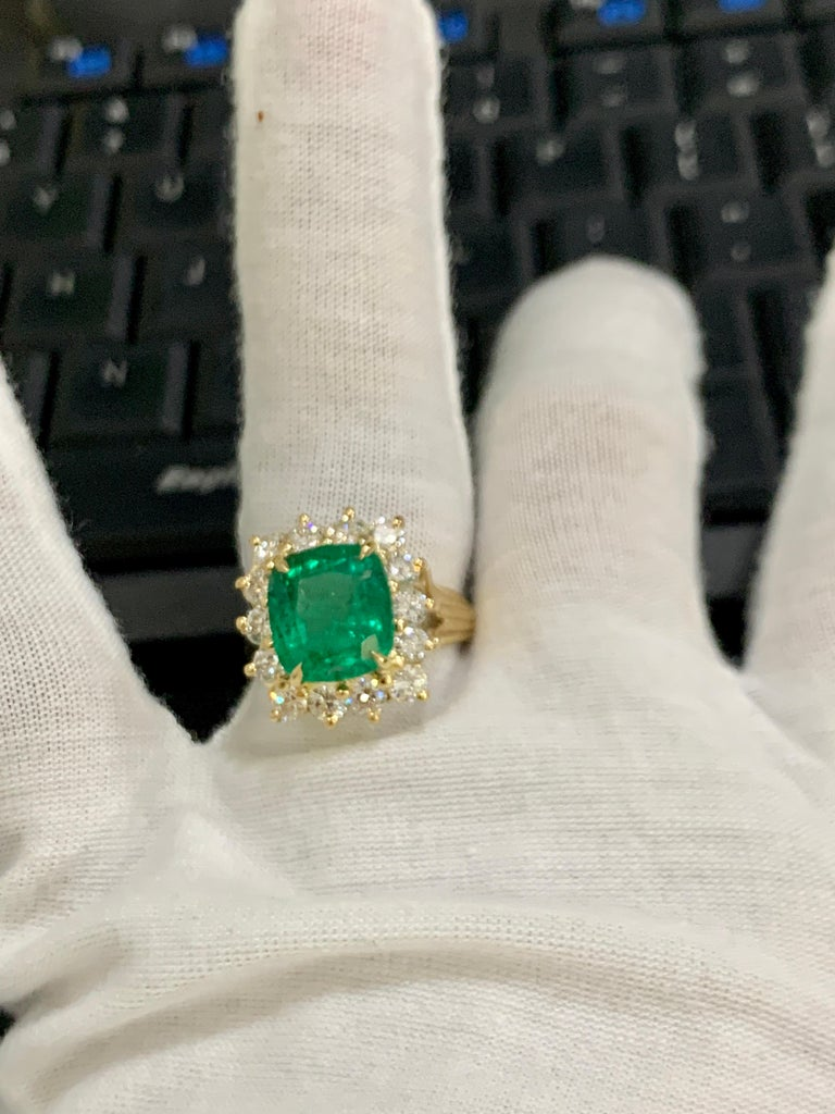 AGL Certified 4.2 Carat Cushion Cut Colombian Emerald & Diamond Ring 18K Y Gold For Sale 8