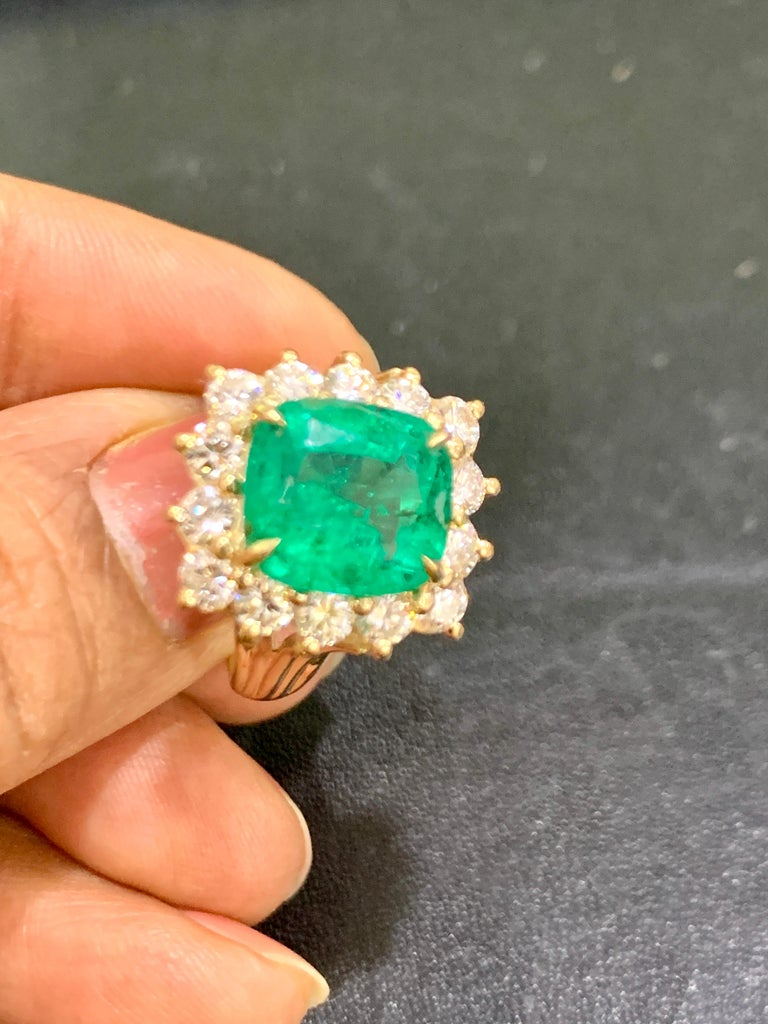 AGL Certified 4.2 Carat Cushion Cut Colombian Emerald & Diamond Ring 18K Y Gold For Sale 10