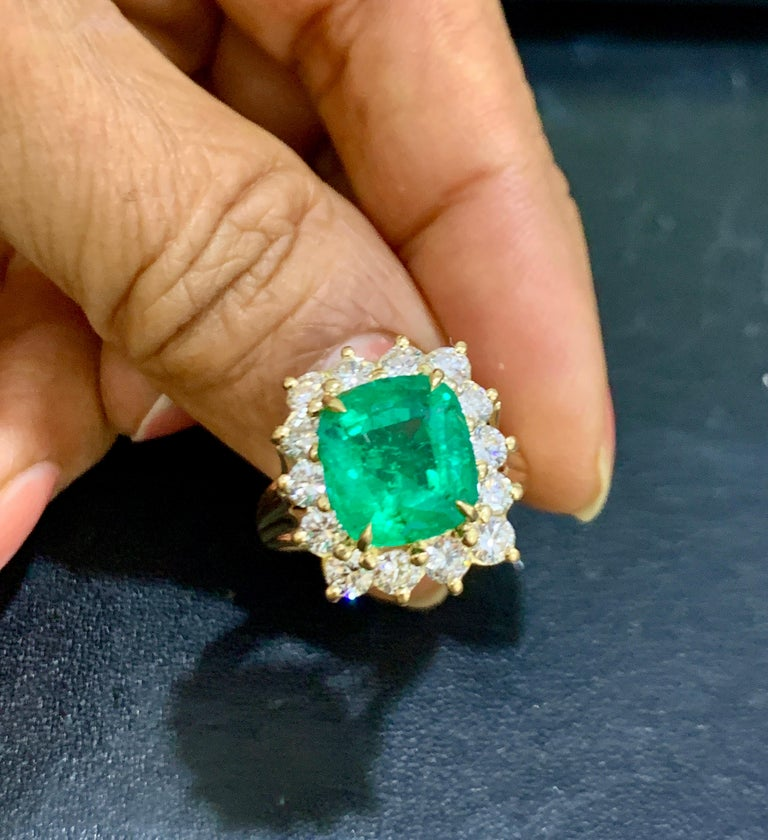 AGL Certified 4.2 Carat Cushion Cut Colombian Emerald & Diamond Ring 18K Y Gold For Sale 11