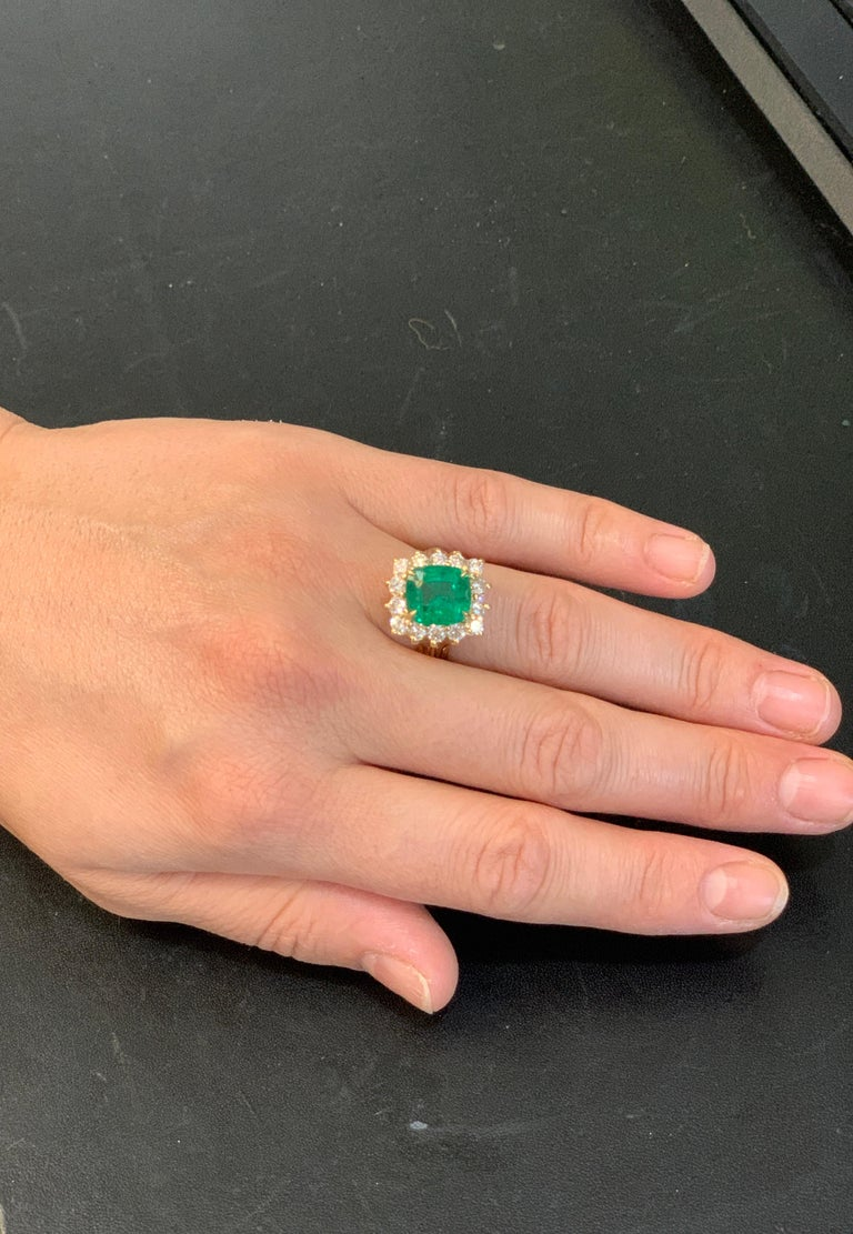 AGL Certified 4.2 Carat Cushion Cut Colombian Emerald & Diamond Ring 18K Y Gold For Sale 12