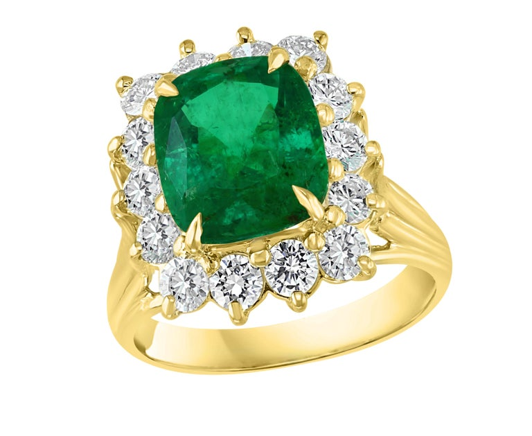 AGL Certified 4.2 Carat Cushion Cut Colombian Emerald & Diamond Ring 18K Y Gold For Sale 13