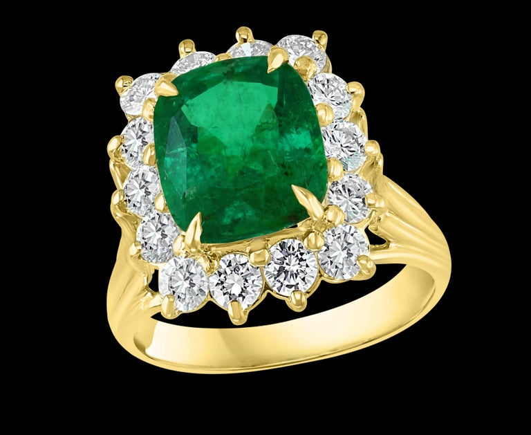 AGL Certified  4.2 Ct Cushion Cut Colombian Emerald & Diamond Ring 18K Yellow Gold A Classic, ring  4.2 Carat  Colombian Emerald Absolutely gorgeous emerald , Very desirable color , Extreme fine quality ,color and luster 18 Karat Yellow gold 6.7