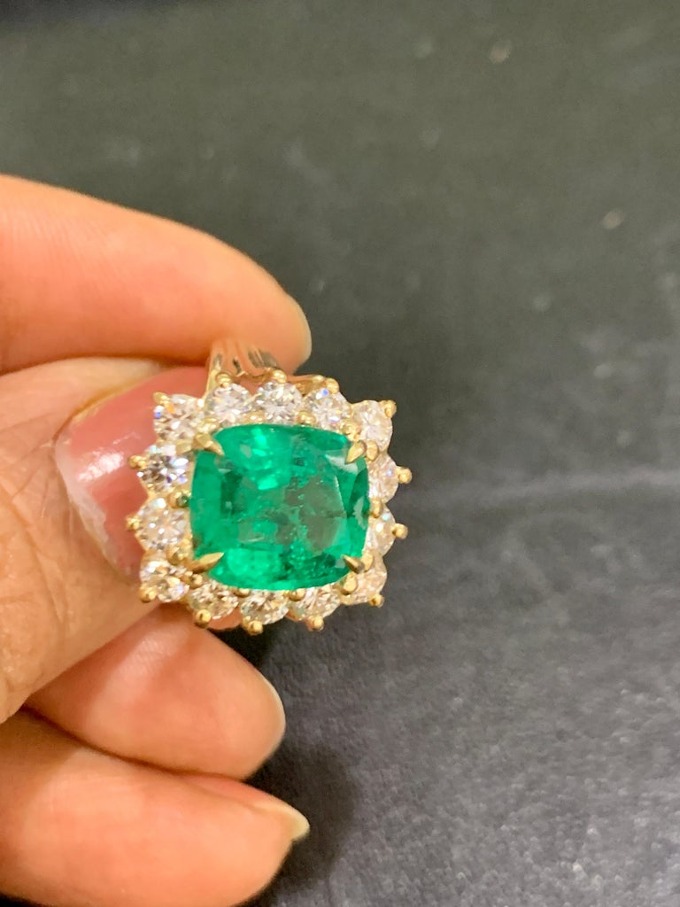 AGL Certified 4.2 Carat Cushion Cut Colombian Emerald & Diamond Ring 18K Y Gold For Sale 3