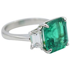 AGL Certified 4.64 Carat Colombian Emerald Ring in Platinum w 0.96 Diamond ctw