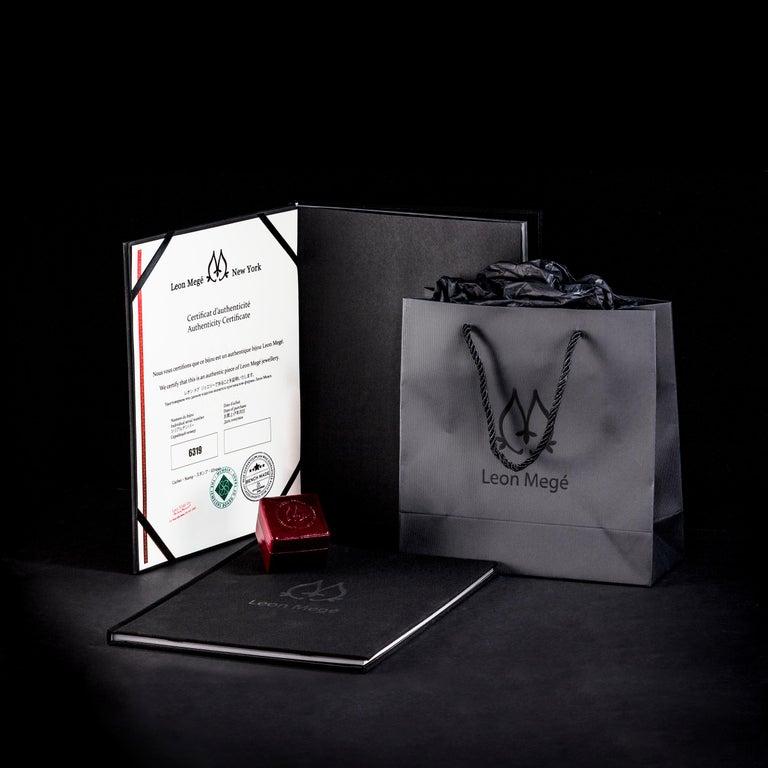 AGL Certified 4.90 Carat Unheated Kashmir Sapphire Diamond Cluster Platinum Ring For Sale 5