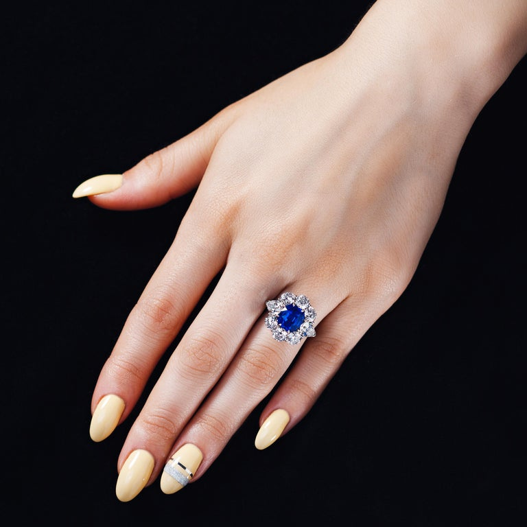 AGL Certified 4.90 Carat Unheated Kashmir Sapphire Diamond Cluster Platinum Ring For Sale 3