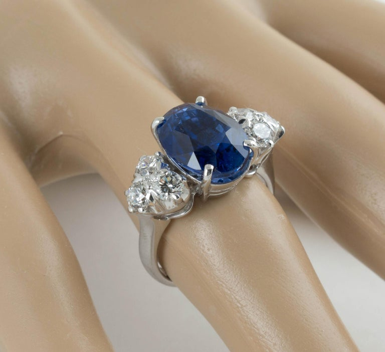 AGL Certified Natural No Heat Ceylon Blue Sapphire Diamond Gold Ring In Excellent Condition For Sale In Austin, TX
