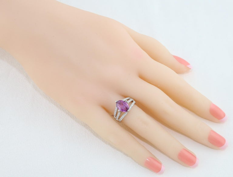 Contemporary AGL Certified No Heat 2.86 Carat Oval Purple Pink Sapphire Diamond Gold Ring For Sale