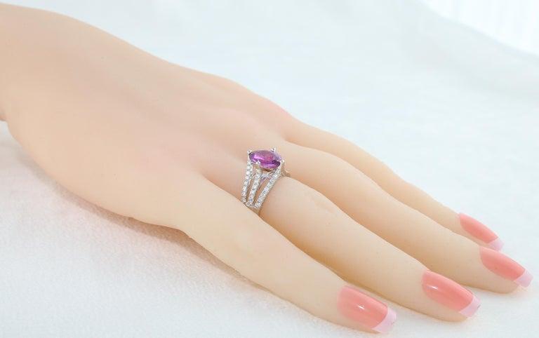 Women's AGL Certified No Heat 2.86 Carat Oval Purple Pink Sapphire Diamond Gold Ring For Sale