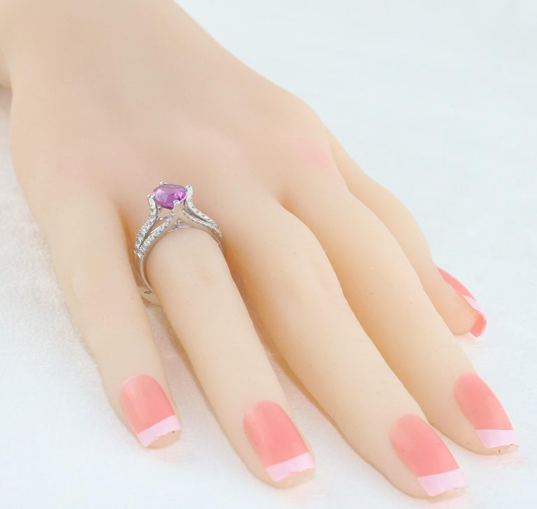 AGL Certified No Heat 2.86 Carat Oval Purple Pink Sapphire Diamond Gold Ring For Sale 1
