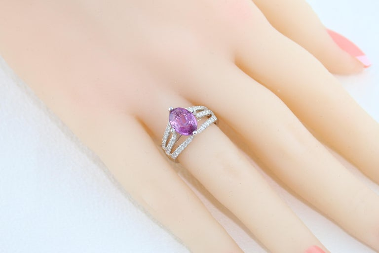 AGL Certified No Heat 2.86 Carat Oval Purple Pink Sapphire Diamond Gold Ring For Sale 2